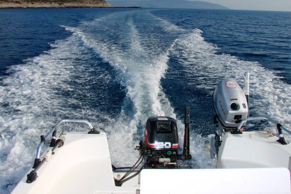 boat2761BD8F04-B546-2380-5666-0D05518AF2CC.jpg